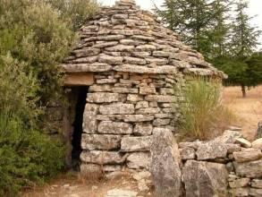Un cabanon romain en pierres