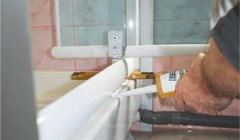 Réparation d'une porte de douche